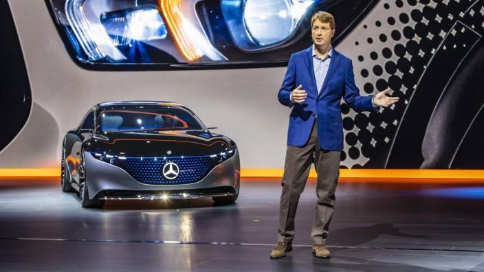 DEU, Deutschland, Hessen, Frankfurt am Main, 10.09.2019: Showcar VISION EQS von Mercedes-Benz. Daimler-CEO Ola Källeniu