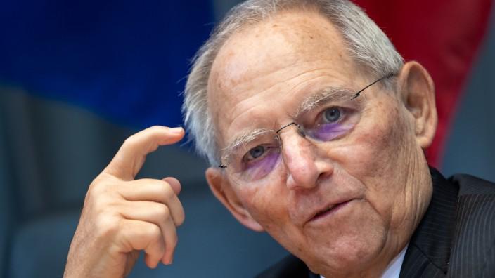 Schäuble gegen Entscheidung der K-Frage in der Fraktion