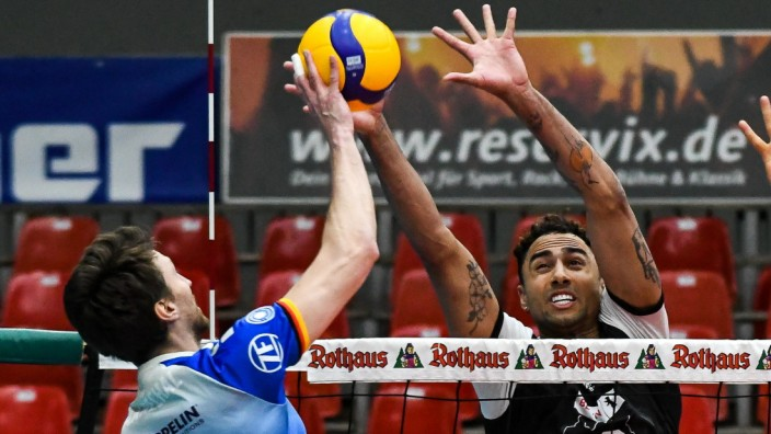 GER, VBL, Play-offs, Finale, VfB Friedrichshafen vs Berlin Recycling Volleys / 15.04.2021, Zeppelin CAT Halle A1, Friedr