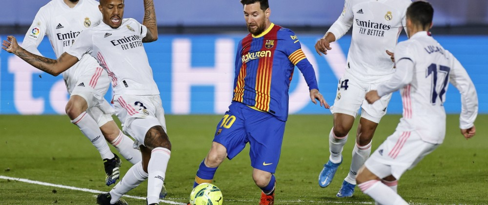 ESP: Real Madrid FC Barcelona, Barca La Liga Santander. Lionel Messi of FC Barcelona and players of Real Madrid during t; Messi