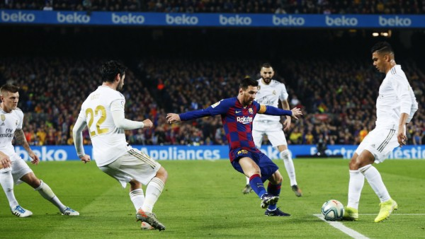 Primera Division: Lionel Messi beim Spiel FC Barcelona gegen Real Madrid