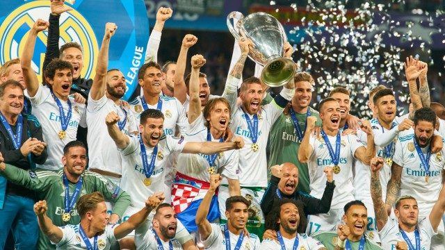 Spieler von Real Madrid feiern den Gewinn der Champions League