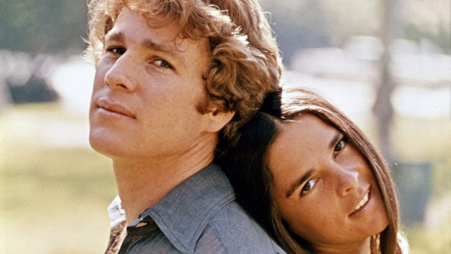 Ryan O Neal and Ali MacGraw Love Story 1970 Paramount PUBLICATIONxINxGERxSUIxAUTxONLY Copyright xH