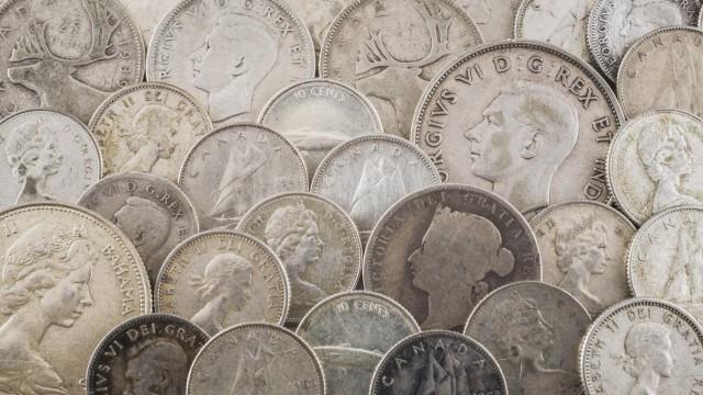 Alte Silbermünzen Copyright imageBROKER PerryxMastrovito ibxpmt04524466 jpg