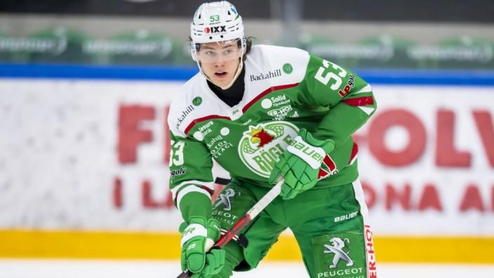 210227 Rögles Moritz Seider under ishockeymatchen i SHL mellan Rögle och Skelleftea den 27 februari 2021 i Ängelholm. *; Eishockey