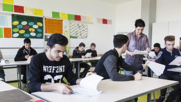 Integration von Flüchtlingen in der Klasse AVI - Ausbildungsvorbereitung International in der Elly-Heuss-Knapp-Schule