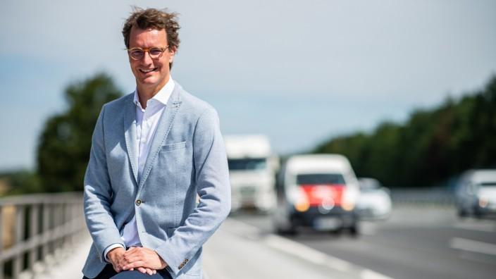 NRW-Verkehrsminister Hendrik Wüst ist Papa geworden