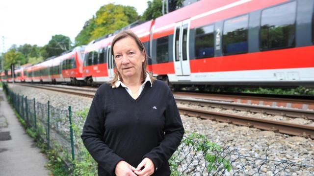 Tutzing: Anja Behringer beschwert sich über den Bahngleislärm