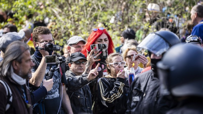 Infektionsschutzgesetz: Demonstration gegen die Bundes-Notbremse in Berlin