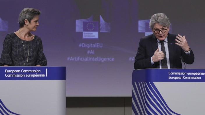 EU-Kommission: Pressekonferenz zu Regeln für Künstliche Intelligenz