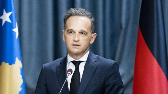 Bundesaussenminister Heiko Maas, SPD, und Vjosa Osmani, Praesidentin der Republik Kosovo, aufgenommen bei einer gemeins