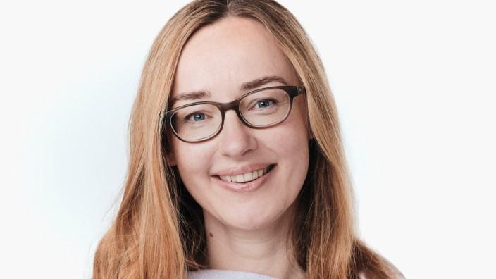 Forum: Julia Brandl ist Professorin für Personalpolitik an der Universität Innsbruck und erforscht den Umgang von Unternehmen mit steigenden Ansprüchen an Diversität und Transparenz in der Vergütung.