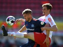 SSV Jahn Regensburg v Hamburger SV - Second Bundesliga