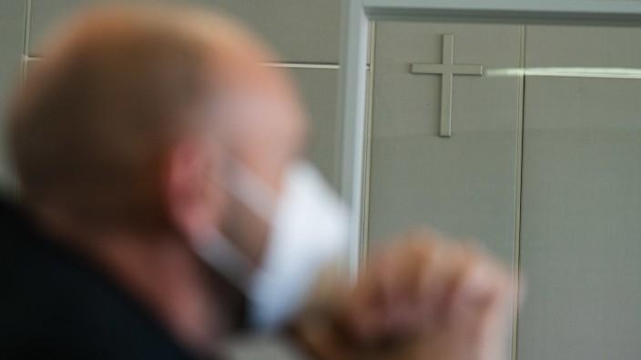 Prozess um Kirchenasyl in Benediktinerabtei