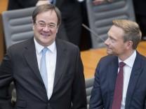 Ministerpraesident Armin LASCHET (li., CDU) und Christian LINDNER (Bundesvorsitzender FDP und Mitglied des Landtages NR