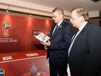Fussball Herren Fußball WM 2018 in Russland DFB Besuch im WM Fanzentrum in Berlin im Russischen H