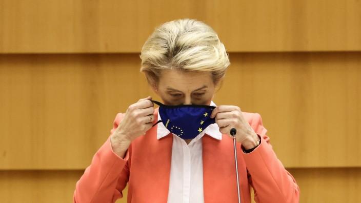 """Ursula von der Leyen: """"Ich kann daraus nur schließen, dass ich so behandelt wurde, weil ich eine Frau bin"""", sagt Kommissionschefin von der Leyen zum """"Sofagate""""-Vorfall."""