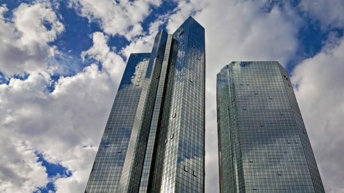 verspiegelte Konzernzentrale der Deutschen Bank, Zwillingsstuerme, Deutschland, Hessen, Frankfurt am Main mirrored high-