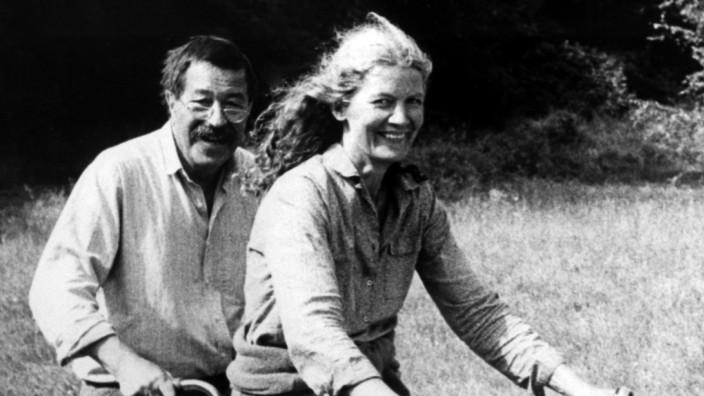 Günter Grass mit Ehefrau Ute 1992