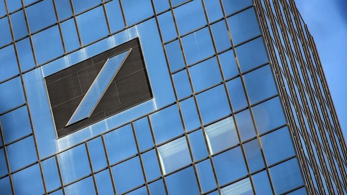 Finanzindustrie: Wie viel die Deutsche Bank zurückzahlen muss, und ob Strafen drohen, ist noch unklar.