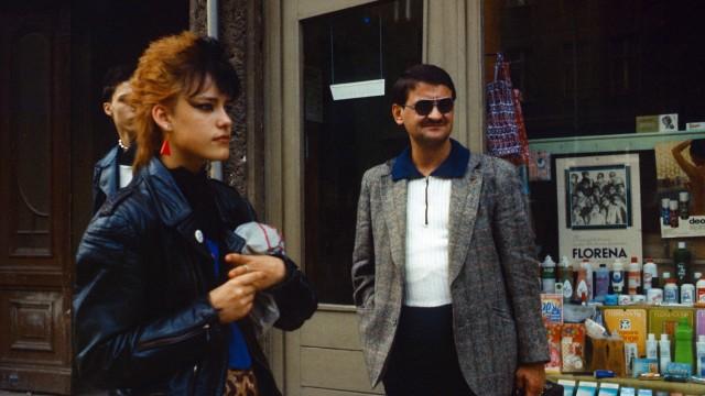 13 09 1985 Berlin Deutsche Demokratische Republik DDR Mann und Punkerin im Portrait QF europ