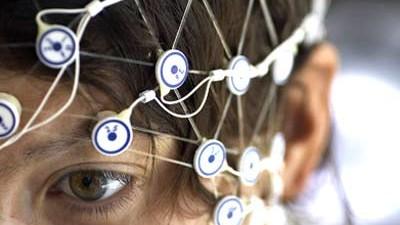 Frage der Woche: Hirnschrittmacher können offenbar auch bei Zwangsstörungen helfen. Haben sie also Einfluss auf unsere Gedanken?
