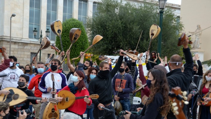 Greece: Musicians and Art Workers protest in Athens Hundreds of Art Workers rally in the center of the Greek capital to