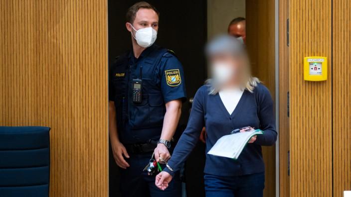 """Eine """"von nationalsozialistischen und rassistischen Überzeugungen geprägte Ideologie"""", erkennt der Staatsanwalt bei der anklagten Susanne G.."""