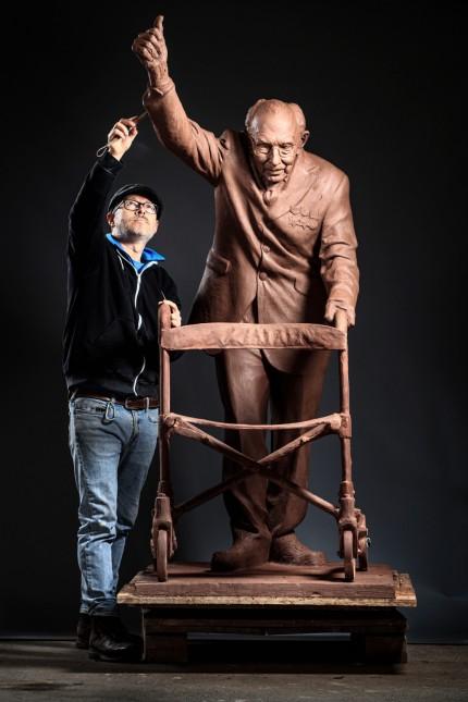Kapitän Sir Tom Moore Statue