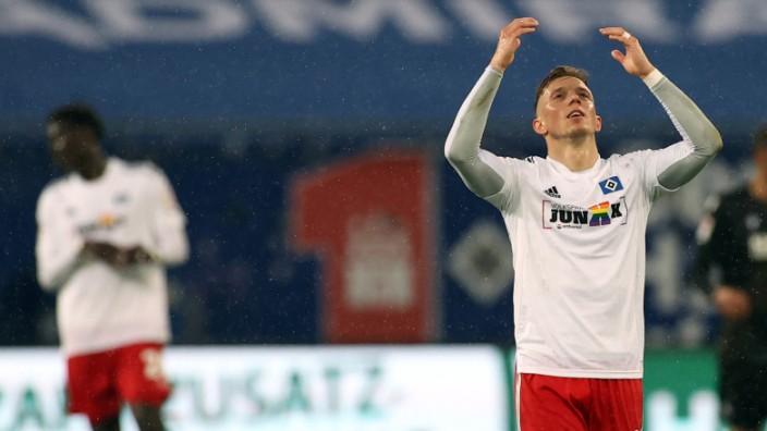 HSV-Spieler Sonny Kittel beim Spiel Hamburger SV gegen Karlsruher SC