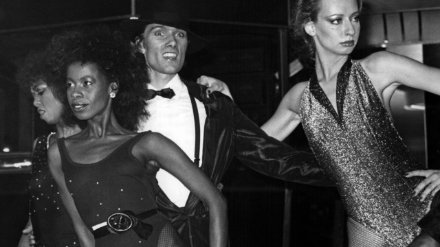 John Jürgens mit seiner Show 'C.J. Special' in der Diskothek 'Medusa' in München, 1983