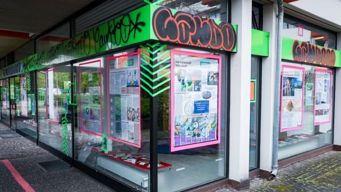 PUCHHEIM: Ausstellung 'Plastik-Fluch oder Segen?'