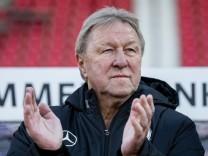 Horst Hrubesch wird 70