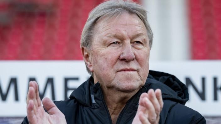 Fußball: Trainer und Ex-Spieler Horst Hrubesch