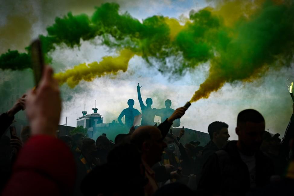 BESTPIX - Manchester United v Liverpool - Premier League