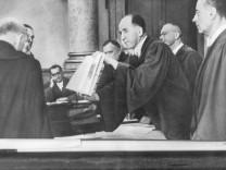 Roland Freisler während einer Verhandlung im Volksgerichtshof, 1944