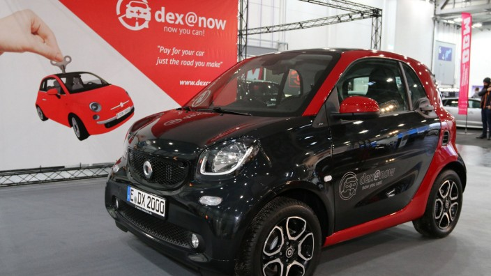 Smart Fortwo Coupé am Stand von Dex Now Langzeit Autoverleih Mietwagen der Dexcar Autovermietung
