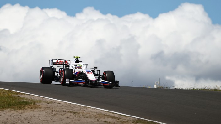 F1 Grand Prix of Portugal - Qualifying