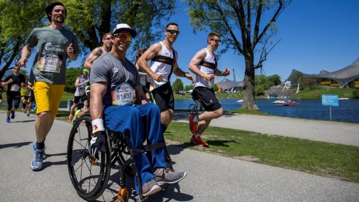 Ehemaliger Mountainbiker Tarek Rasouli: Auch mit seinem Rollstuhl hat Tarek Rasouli schon am Wings-for-Life-Lauf in München teilgenommen - er ist ein Botschafter dieser Stiftung.