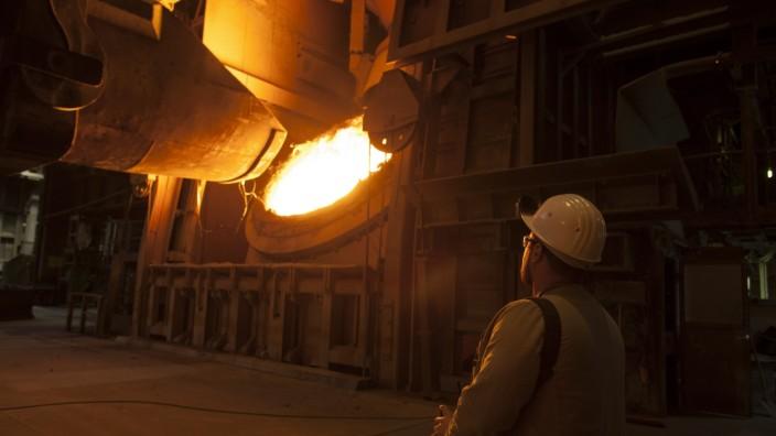 Stahlindustrie in Deutschland: Hochofen in Duisburg