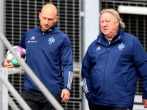 Hamburger SV: Horst Hrubesch beim HSV-Training