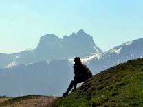 Gipfelidylle statt Völkerwanderung: Superlativ-Bergtouren meiden