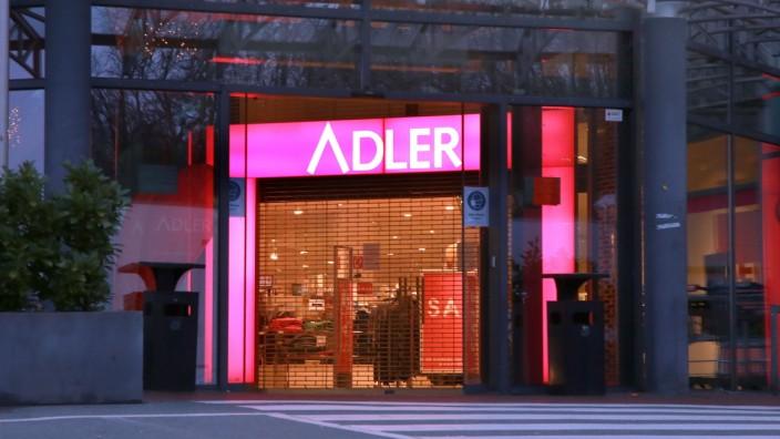 11.01. 2021 Bochum Im Lockdown aufgrund der Coronapandemie meldet die Modekette ADLER Insolvenz an. Hier ein geschlossen