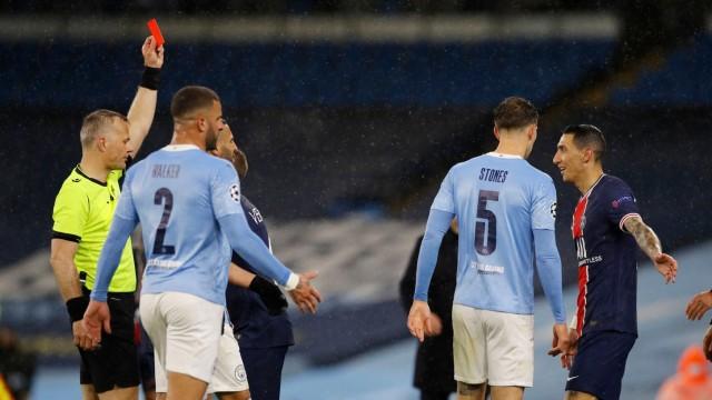 Champions League: PSG-Spieler Angel Di Maria sieht Rot gegen Manchester City