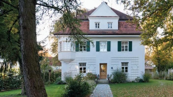 München und die historischen Dorfkerne: ehemaliges Lehrerwohnhaus in Lochhausen