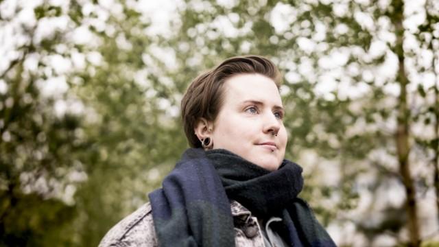 Bildauftrag von SZ: Melina Rauh (Elli) für S3 von Thorsten Schmitz.