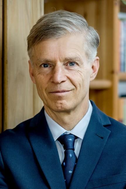 Der Kreisverband Dachau-Fürstenfeldbruck der Partei dieBasis, hat Prof. Dr. Christian Kreiß als Direktkandidaten für den Bundestag gewählt!