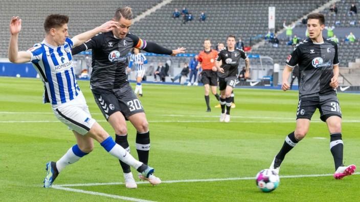 Fussball Berlin 06.05.2021 1. Bundesliga / DFL Saison 2020 / 2021 Hertha BSC Berlin - SC Freiburg Tor zum 1:0 durch Krzy