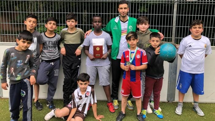 """SZ-Aktion """"Coaches' Challenge"""": Inmitten von Kindern, bei der Arbeit, die er liebt: Mahmoud Nasser"""