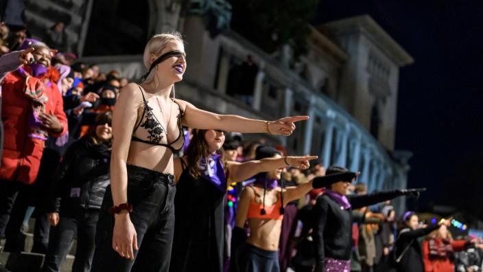 Ein Flashmob in Lausanne zum Internationalen Frauentag am 7. März vergangenen Jahres.